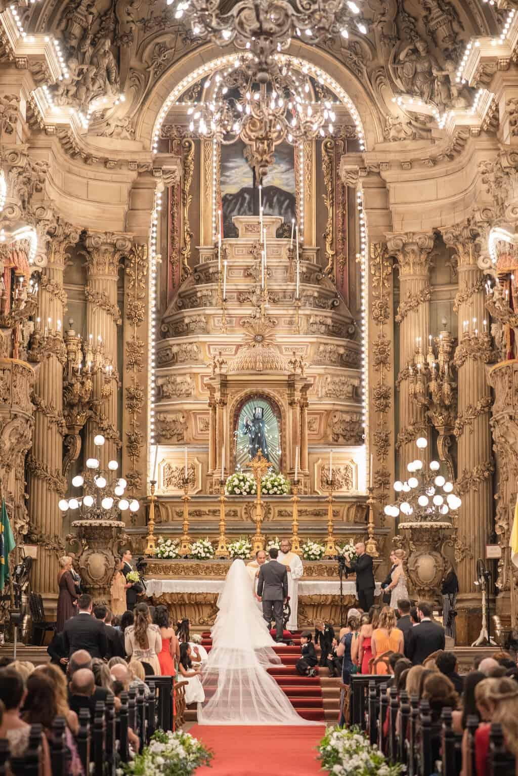 casamento-Karynna-e-Fernando-cerimonia-na-igreja-cerimonial-TCD-Eventos-fotografia-Marina-Fava-Igreja-São-Francisco-de-Paula51