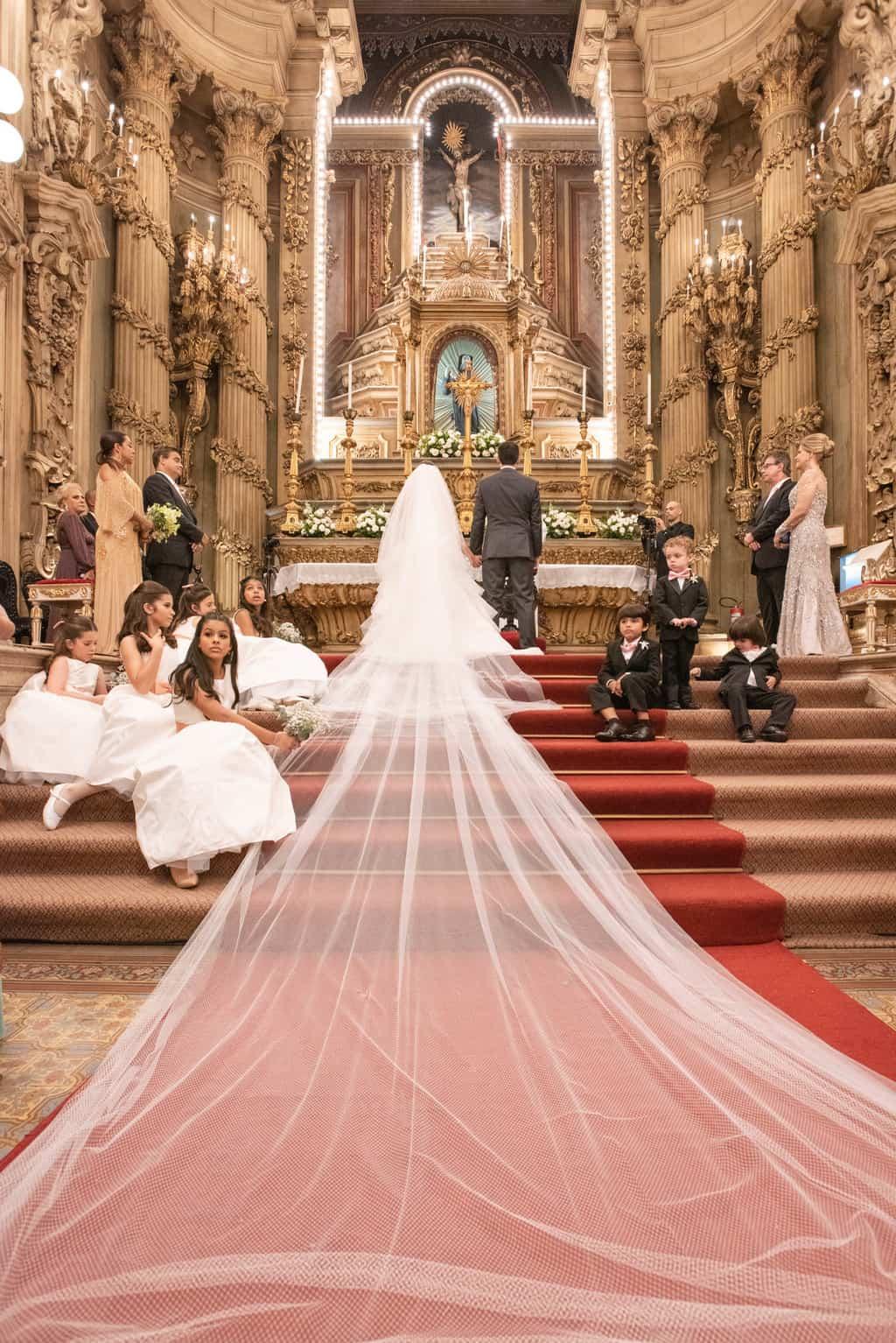 casamento-Karynna-e-Fernando-cerimonia-na-igreja-cerimonial-TCD-Eventos-fotografia-Marina-Fava-Igreja-São-Francisco-de-Paula57