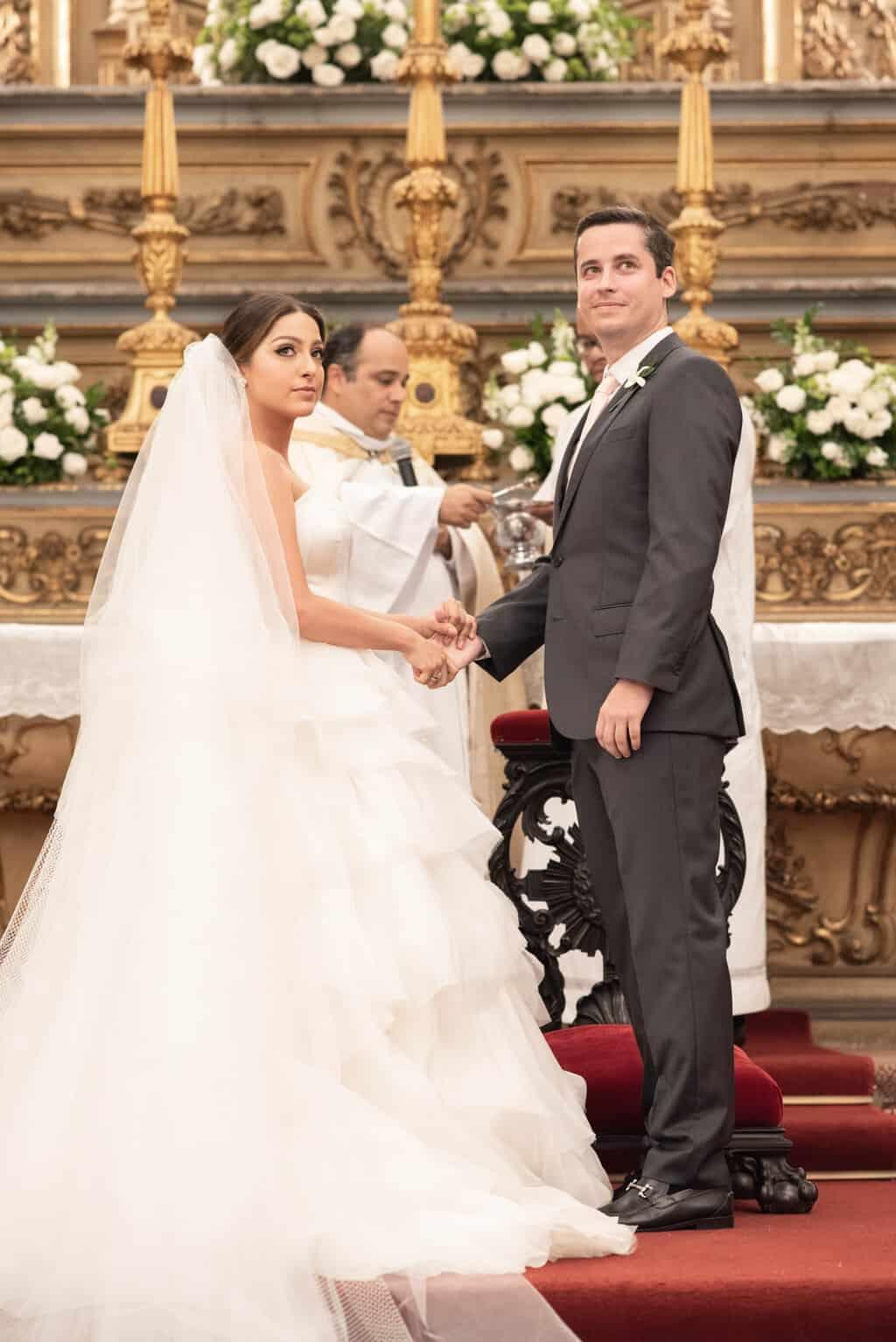 casamento-Karynna-e-Fernando-cerimonia-na-igreja-cerimonial-TCD-Eventos-fotografia-Marina-Fava-Igreja-São-Francisco-de-Paula62