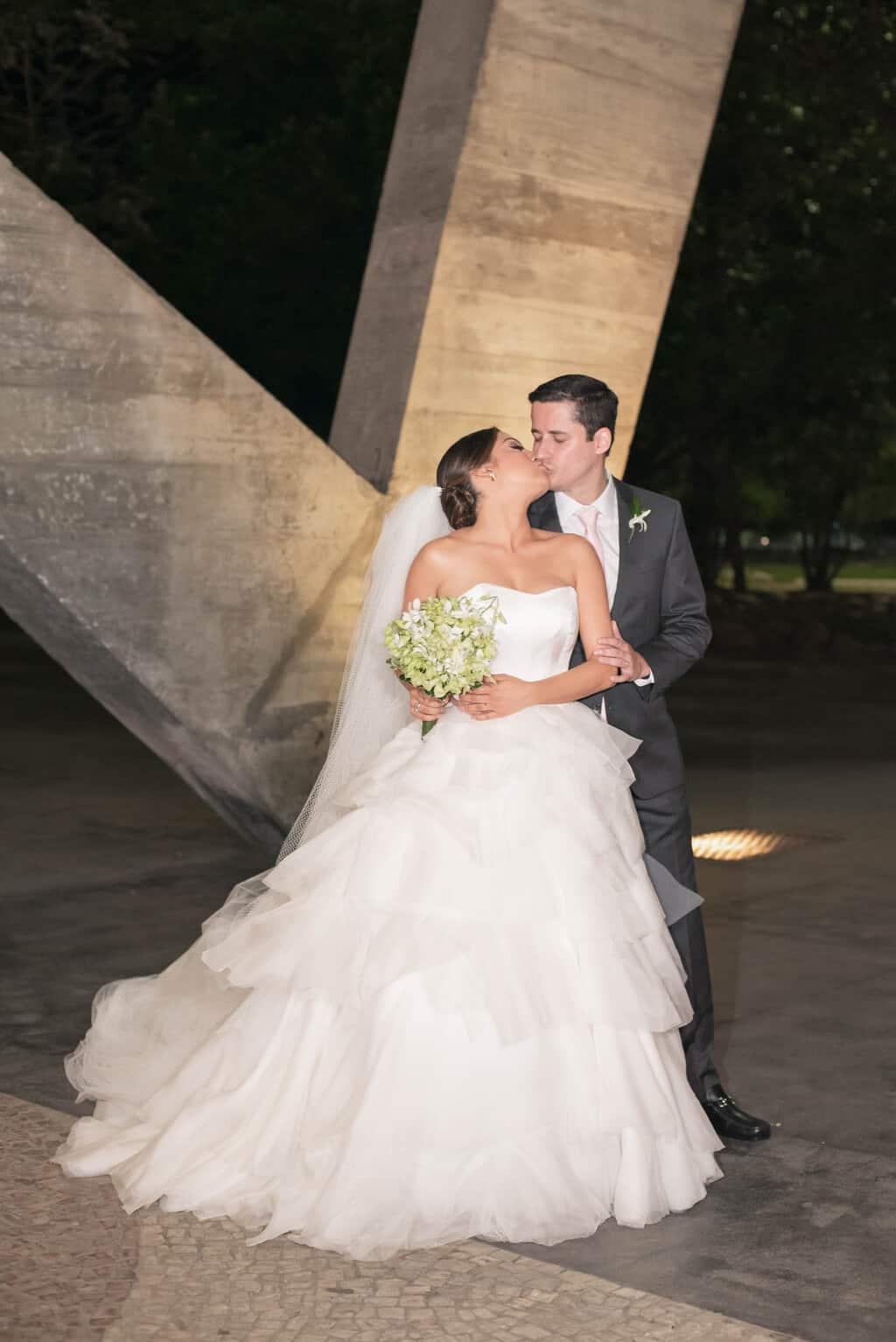 casamento-Karynna-e-Fernando-cerimonial-TCD-Eventos-festa-no-MAM-fotografia-Marina-Fava-fotos-dos-noivos103