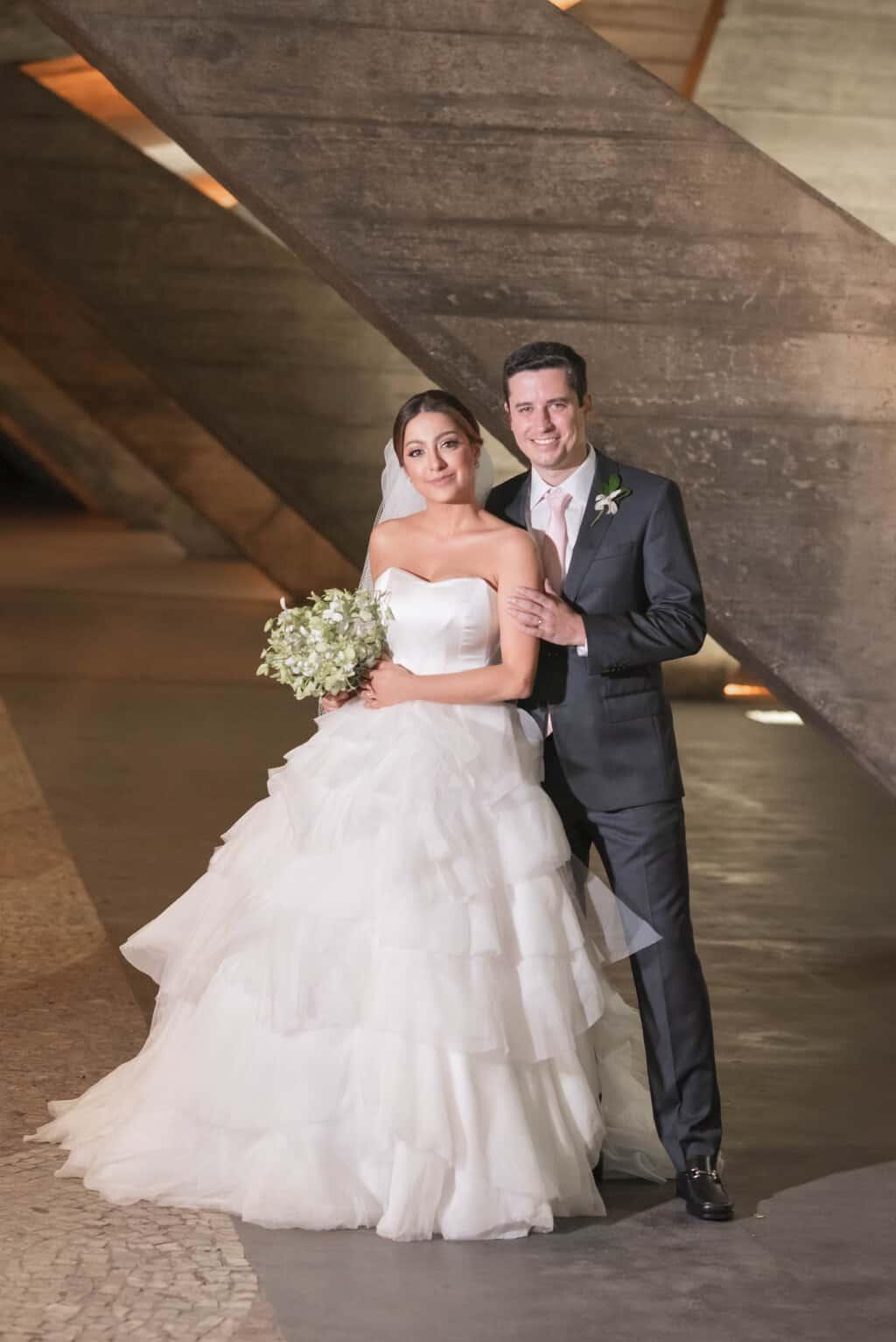 casamento-Karynna-e-Fernando-cerimonial-TCD-Eventos-festa-no-MAM-fotografia-Marina-Fava-fotos-dos-noivos104