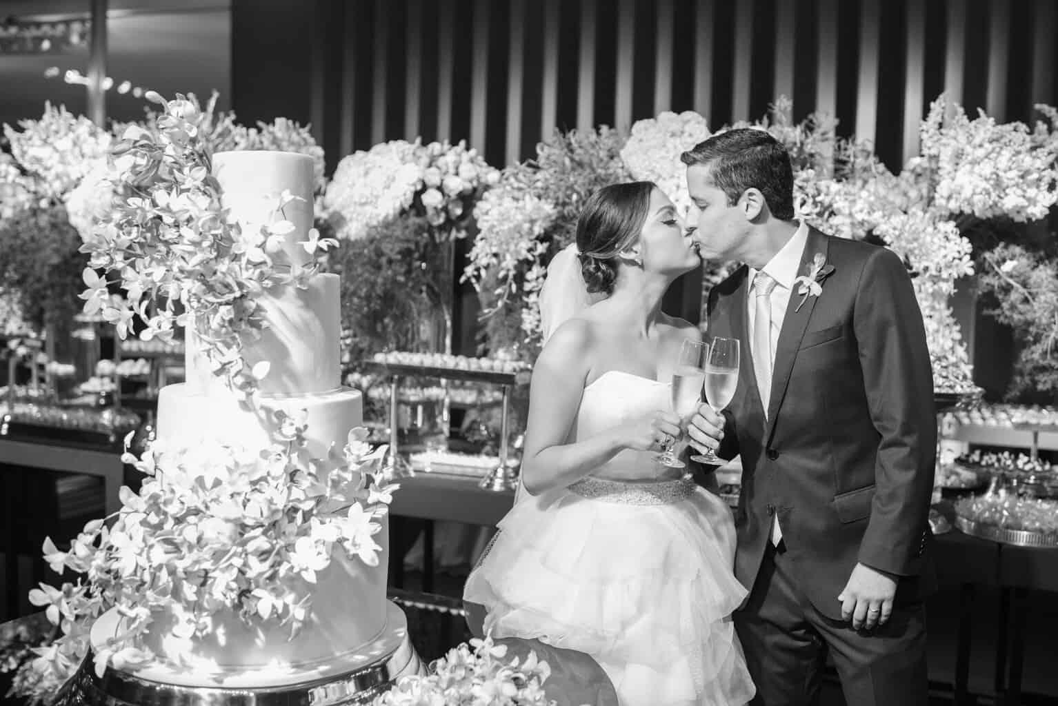 casamento-Karynna-e-Fernando-cerimonial-TCD-Eventos-festa-no-MAM-fotografia-Marina-Fava-fotos-dos-noivos109