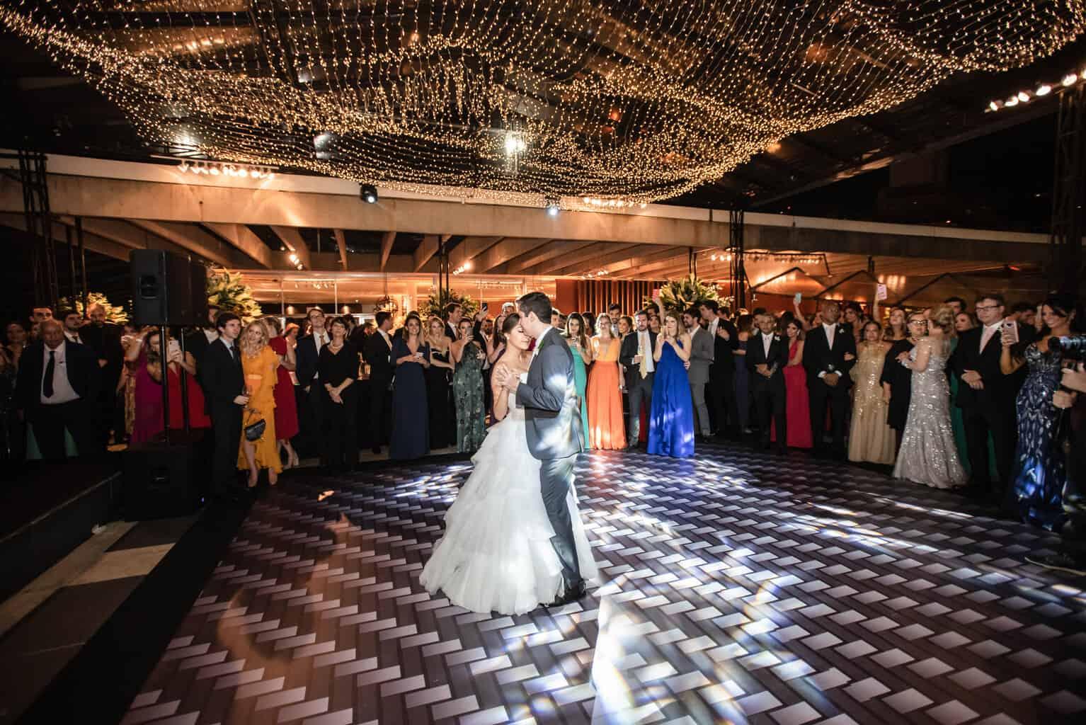 casamento-Karynna-e-Fernando-cerimonial-TCD-Eventos-festa-no-MAM-fotografia-Marina-Fava-pista112