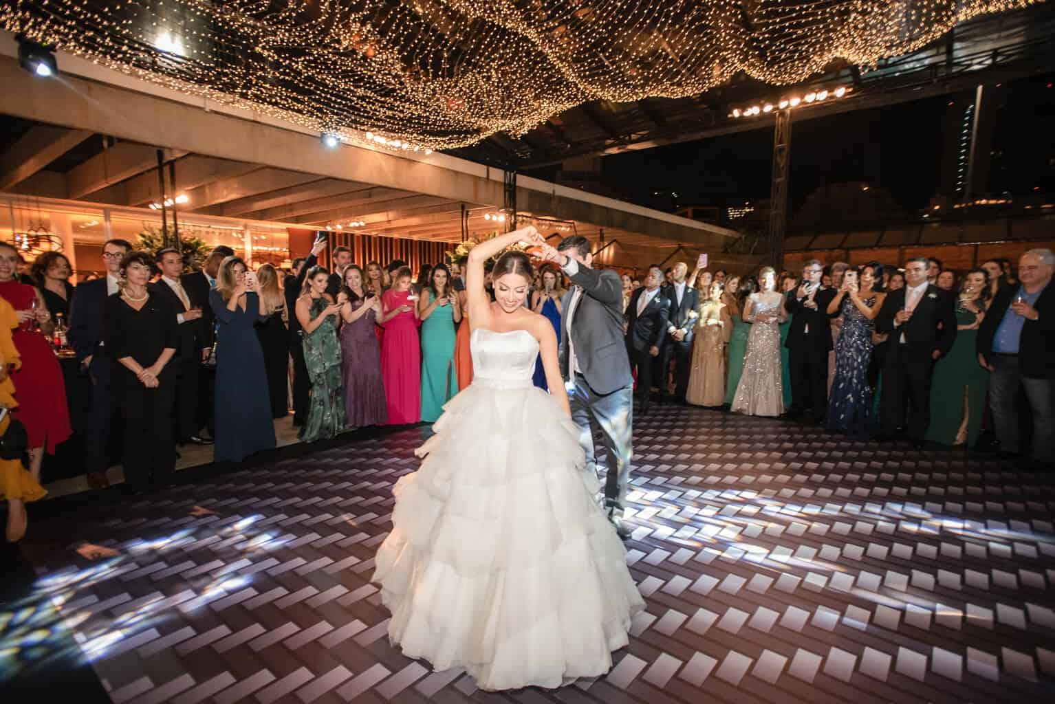 casamento-Karynna-e-Fernando-cerimonial-TCD-Eventos-festa-no-MAM-fotografia-Marina-Fava-pista114