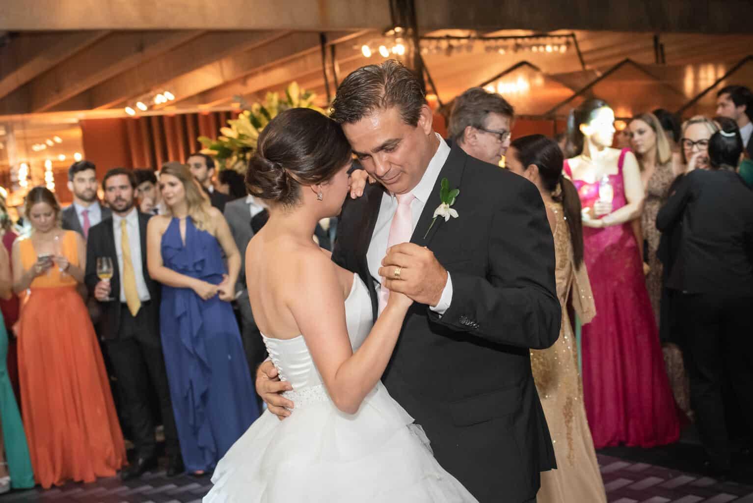 casamento-Karynna-e-Fernando-cerimonial-TCD-Eventos-festa-no-MAM-fotografia-Marina-Fava-pista119