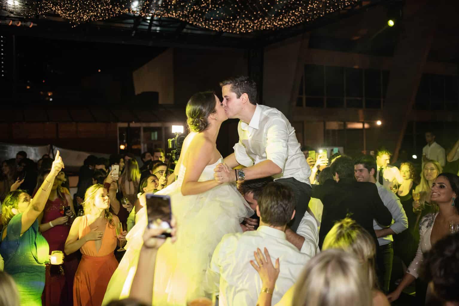 casamento-Karynna-e-Fernando-cerimonial-TCD-Eventos-festa-no-MAM-fotografia-Marina-Fava-pista132