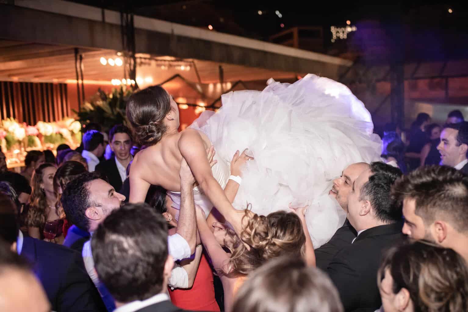 casamento-Karynna-e-Fernando-cerimonial-TCD-Eventos-festa-no-MAM-fotografia-Marina-Fava-pista133