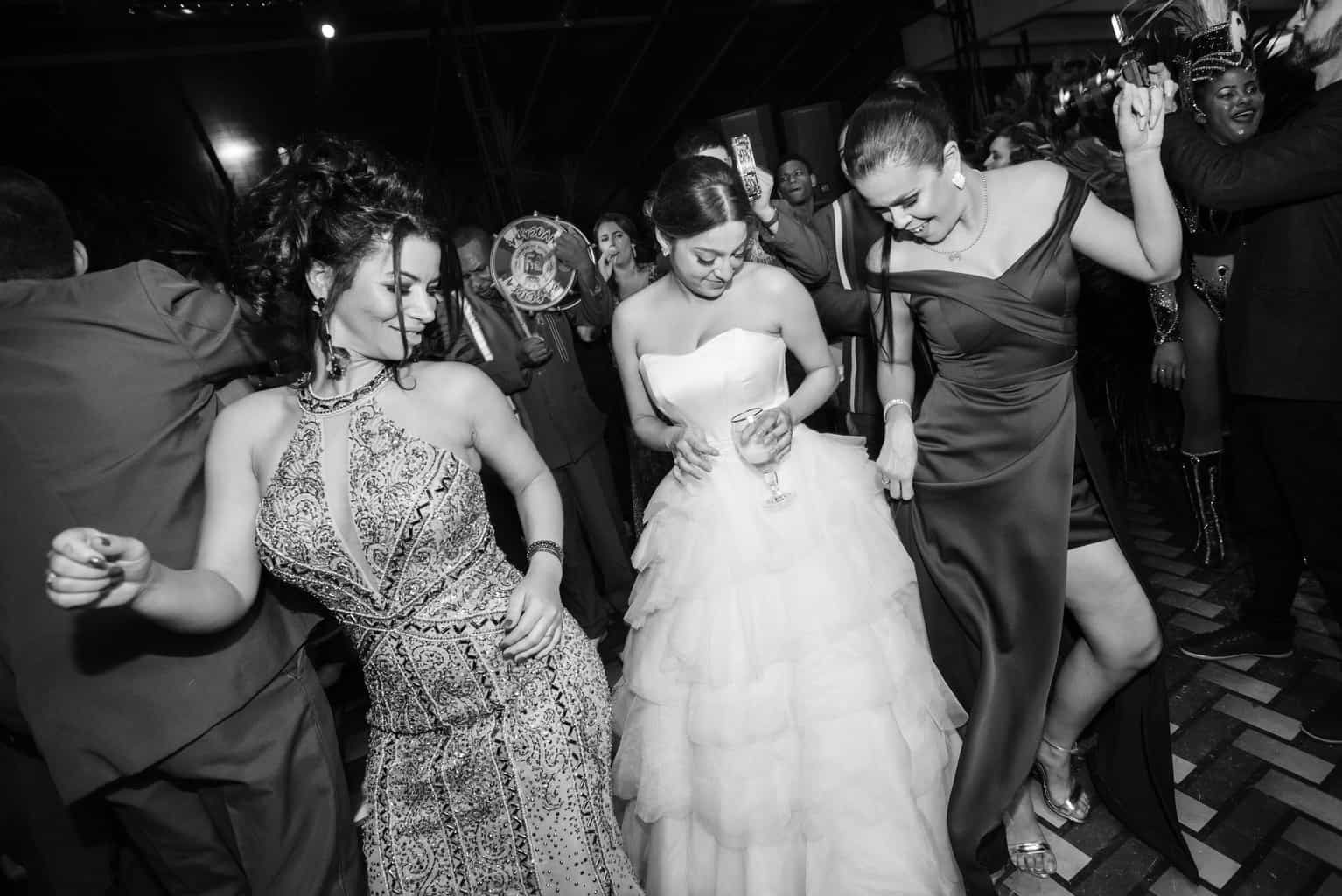 casamento-Karynna-e-Fernando-cerimonial-TCD-Eventos-festa-no-MAM-fotografia-Marina-Fava-pista138