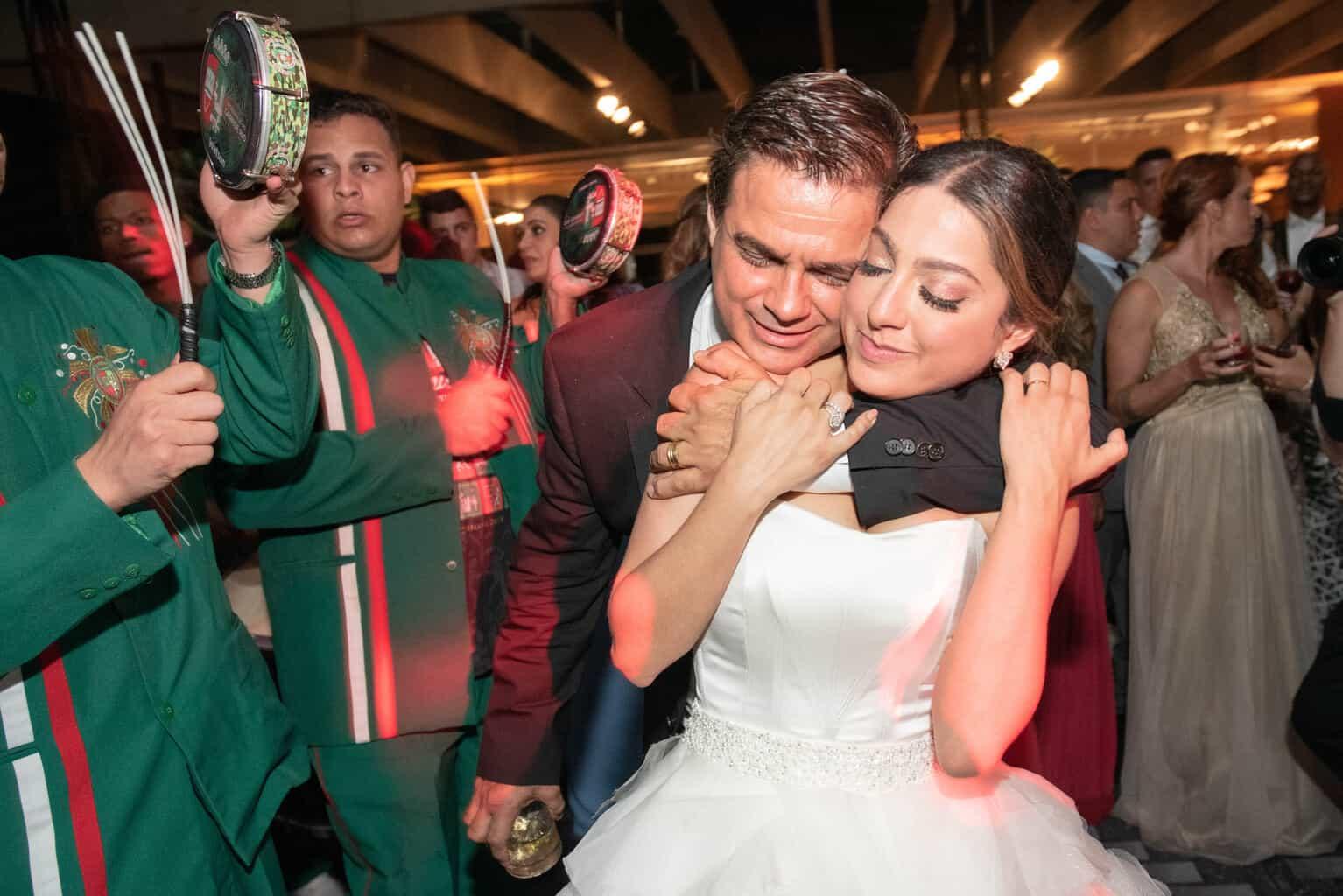 casamento-Karynna-e-Fernando-cerimonial-TCD-Eventos-festa-no-MAM-fotografia-Marina-Fava-pista140