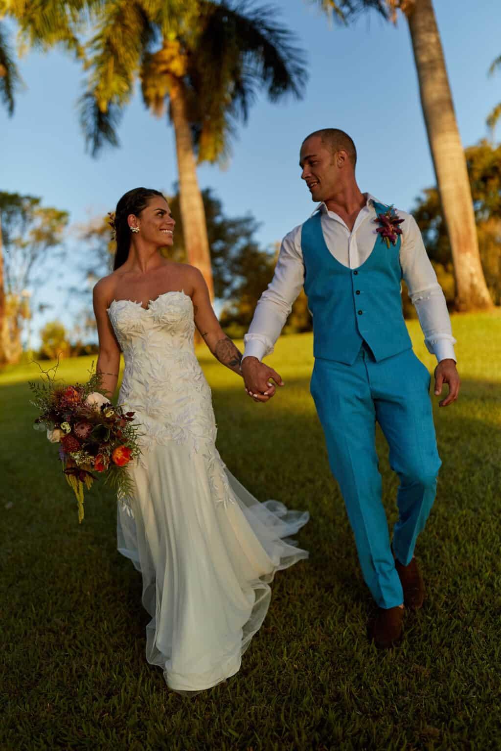 casamento-bruna-e-frederic-cerimonia-ao-ar-livre-cerimonial-camila-luz-decor-renata-paraiso-decoracao-boho-fotos-dos-noivos53-1
