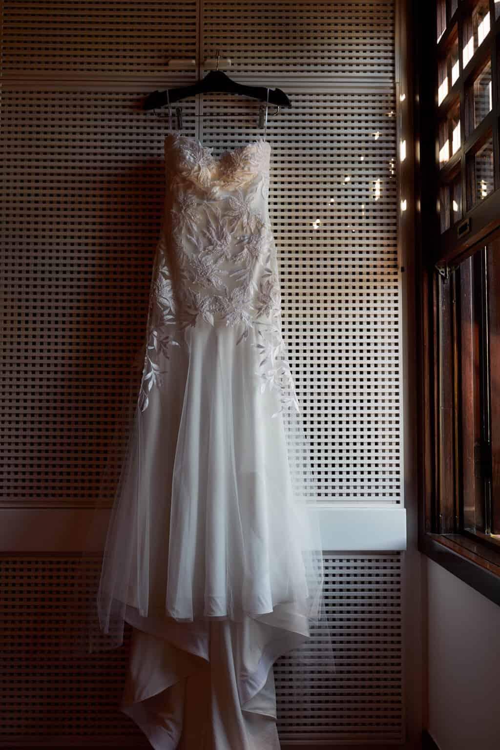 casamento-bruna-e-frederic-cerimonia-ao-ar-livre-cerimonial-camila-luz-decor-renata-paraiso-decoracao-boho-making-of-vestido-de-noiva49
