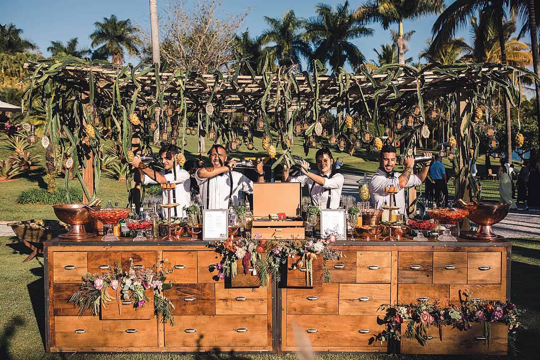 casamento-bruna-e-frederic-cerimonia-ao-ar-livre-cerimonial-camila-luz-decor-renata-paraiso-decoracao-boho10
