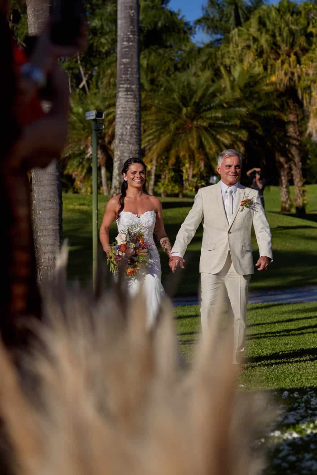 casamento-bruna-e-frederic-cerimonia-ao-ar-livre-cerimonial-camila-luz-decor-renata-paraiso-decoracao-boho52-1
