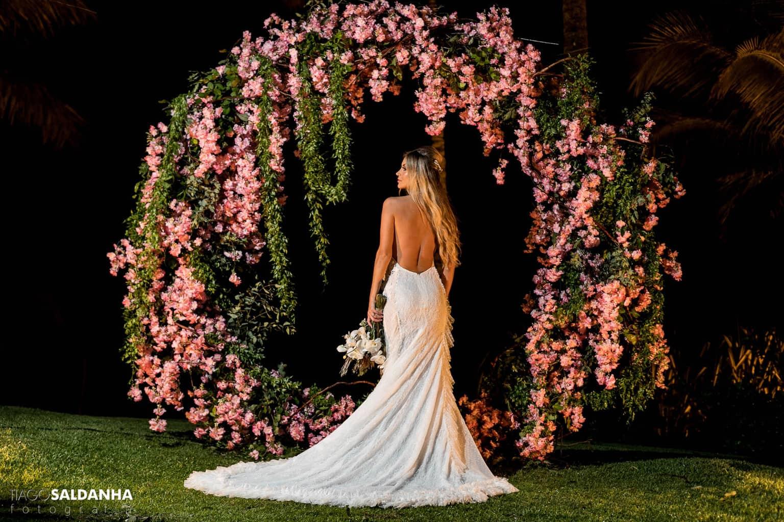 Aliança-no-Espelho-Casamento-Chandrélin-e-Laureano-cerimonia-na-praia-Chan-e-Lau-Rio-da-Barra32