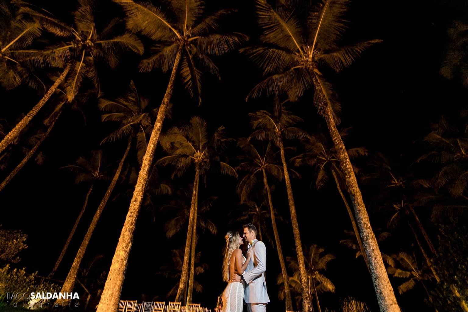 Aliança-no-Espelho-Casamento-Chandrélin-e-Laureano-cerimonia-na-praia-Chan-e-Lau-Rio-da-Barra33