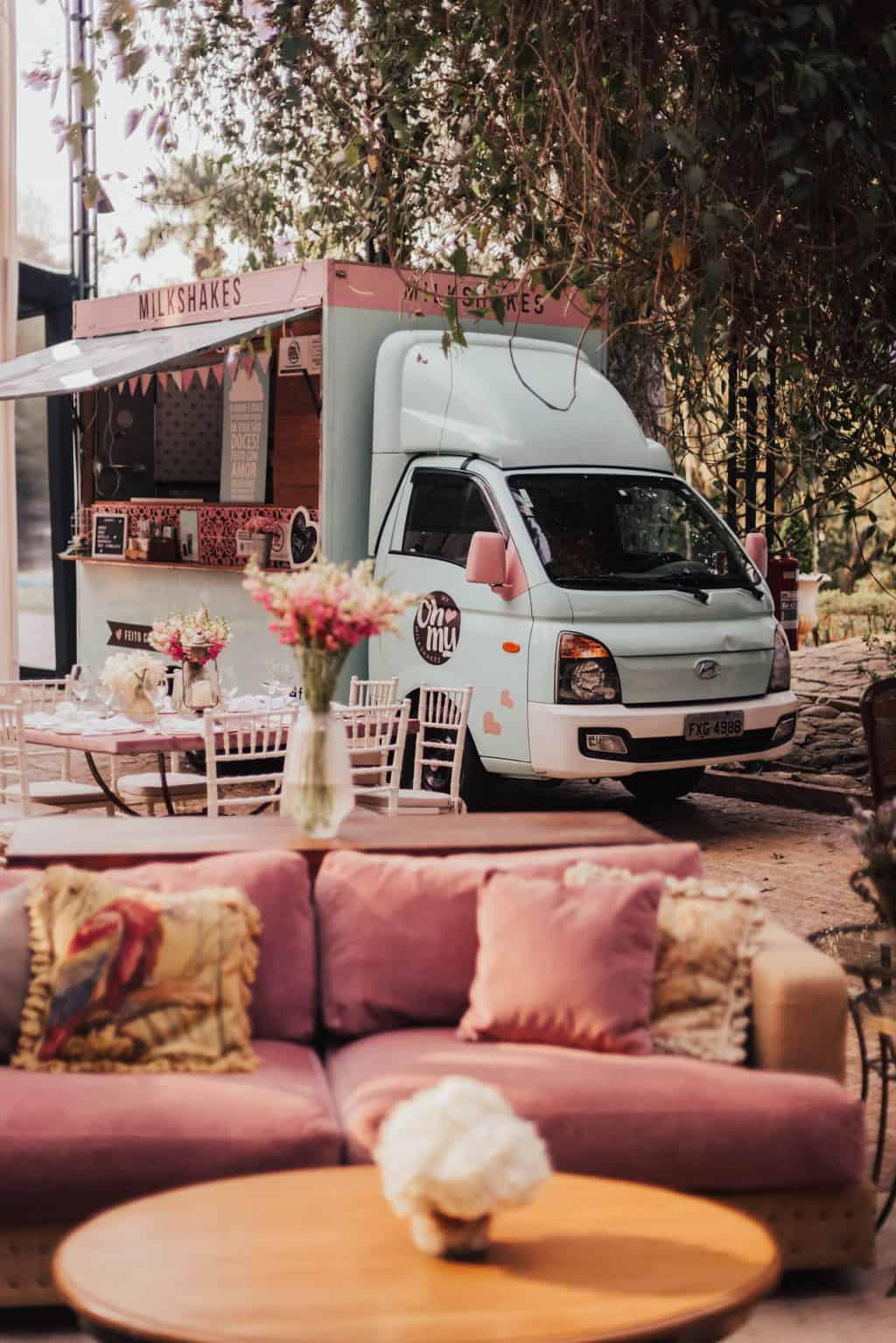 Boutique-de-Cena-casamento-Rebeca-e-Eldrey-Fazenda-Vila-Rica-Fotografia-Mana-Gollo-Toda-de-Branco40