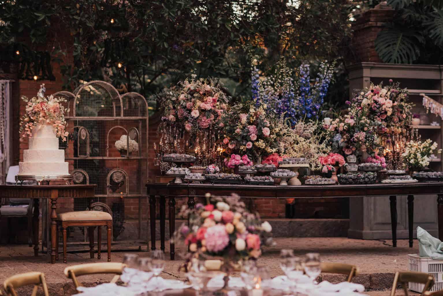 Boutique-de-Cena-casamento-Rebeca-e-Eldrey-Fazenda-Vila-Rica-Fotografia-Mana-Gollo-Toda-de-Branco52