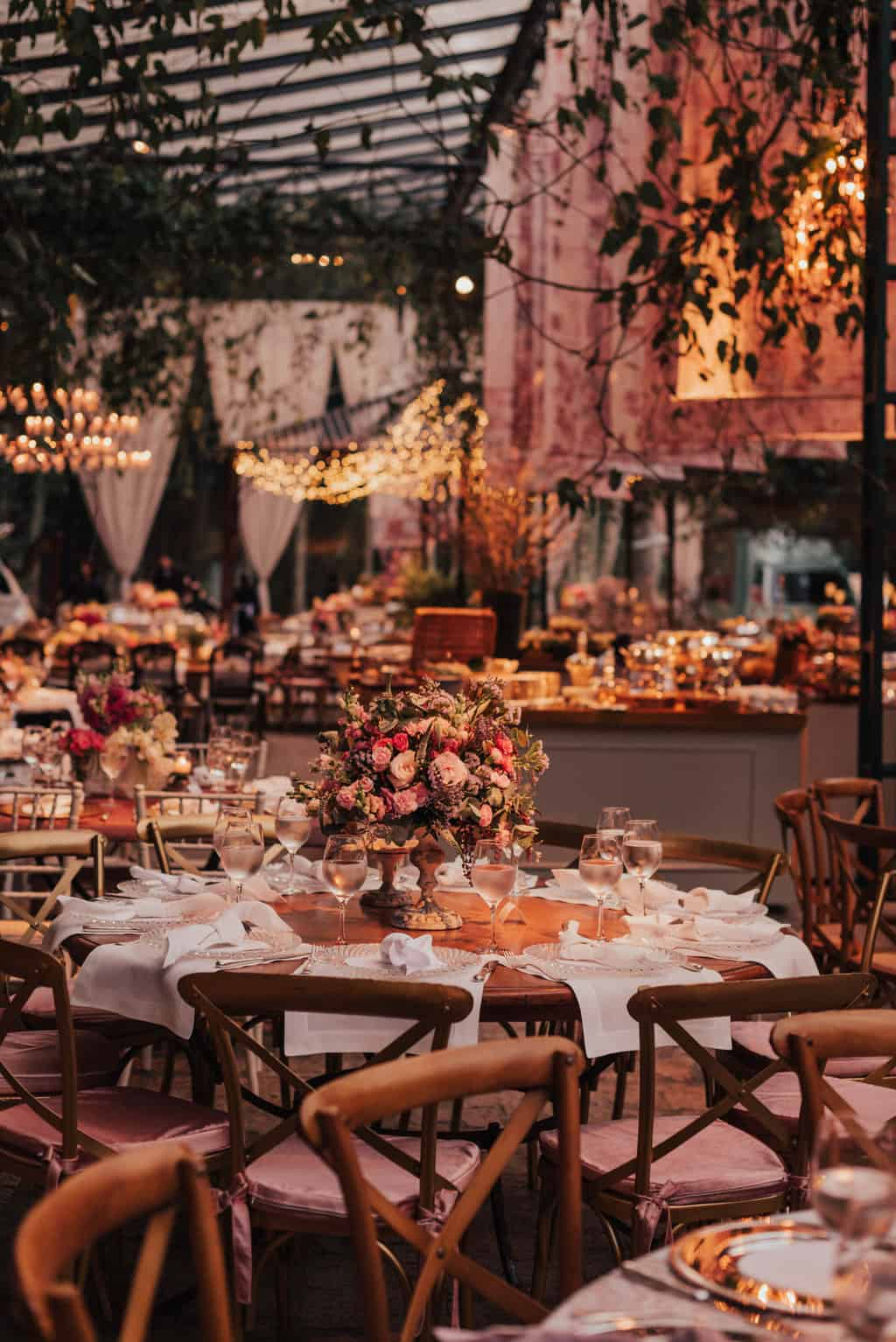 Boutique-de-Cena-casamento-Rebeca-e-Eldrey-Fazenda-Vila-Rica-Fotografia-Mana-Gollo-Toda-de-Branco68