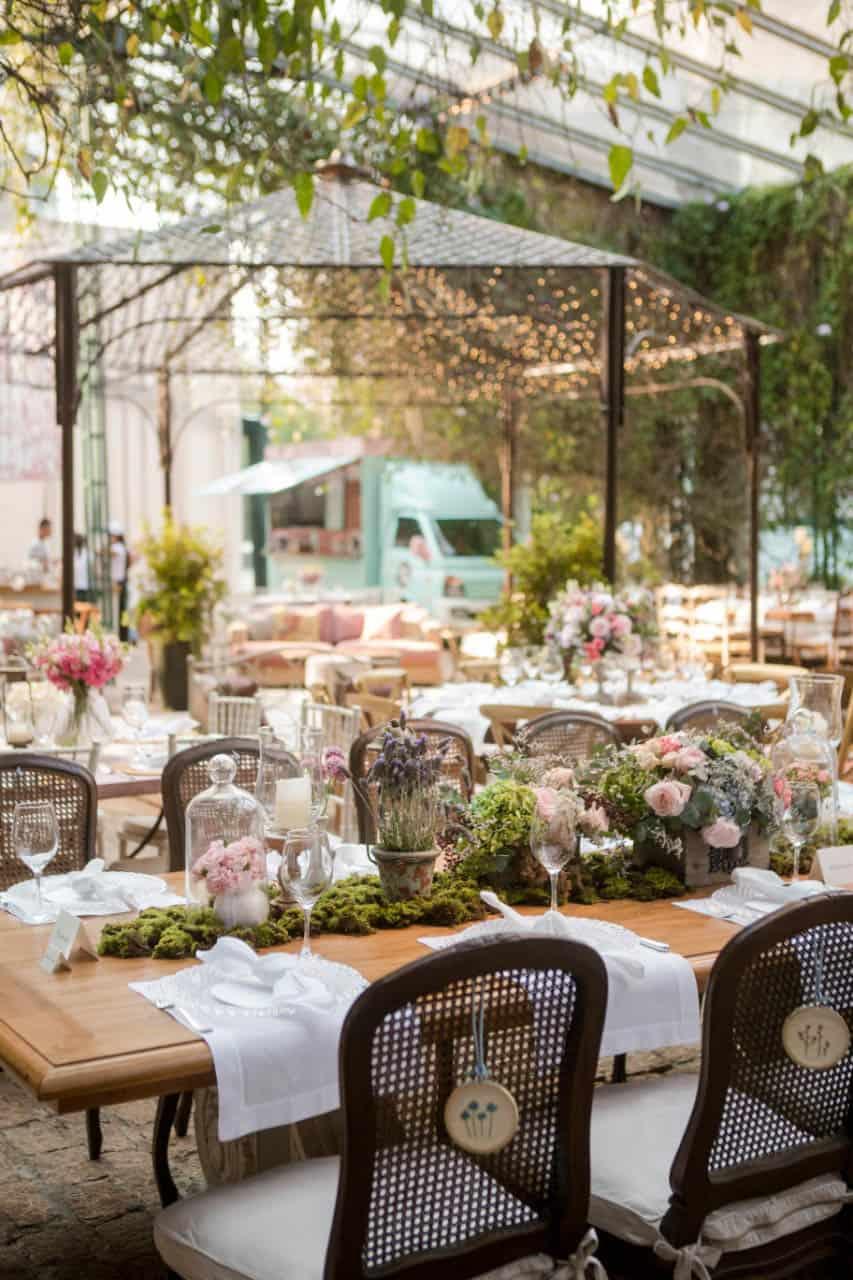 Boutique-de-Cena-casamento-Rebeca-e-Eldrey-Fazenda-Vila-Rica-Fotografia-Mana-Gollo-Toda-de-Branco93
