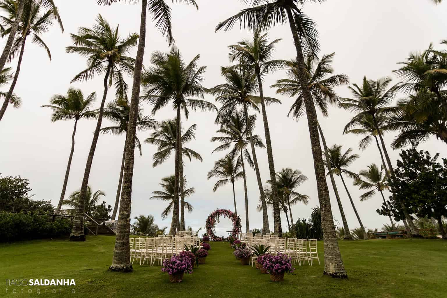 Casamento-Chandrélin-e-Laureano-Chan-e-Lau-decoracao-da-cerimonia-decoracao-Defluer-Guta-Gula-Hotel-Rio-da-Barra-tiago-saldanha-Trancoso76