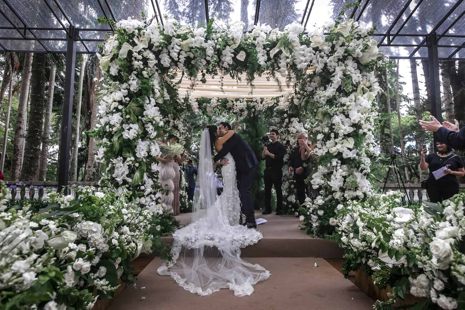 Fernanda-e-Max-Fazenda-Santa-Barbara-Foto-Torin-Zanette-Fabio-e-Telma-Decorações-cerimonia-1661