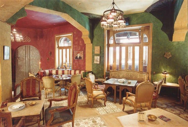 Abou-el-Sid-é-um-autêntico-restaurante-egípcio-tanto-na-decoração-quanto-nos-pratos-que-compõem-o-menu.
