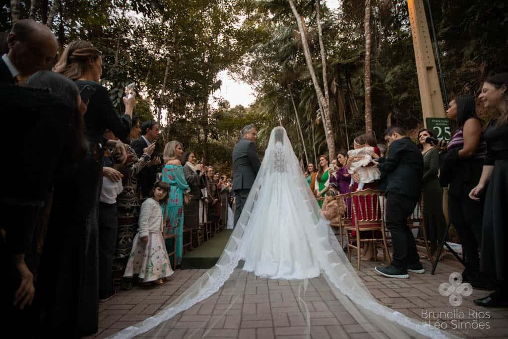 Camila-Sarmento-Casamento-Raisa-e-Ramon-foto-Brunella-e-Leo-Simoes-Pousada-Vale-dos-Passarios-Viviane-Melo26
