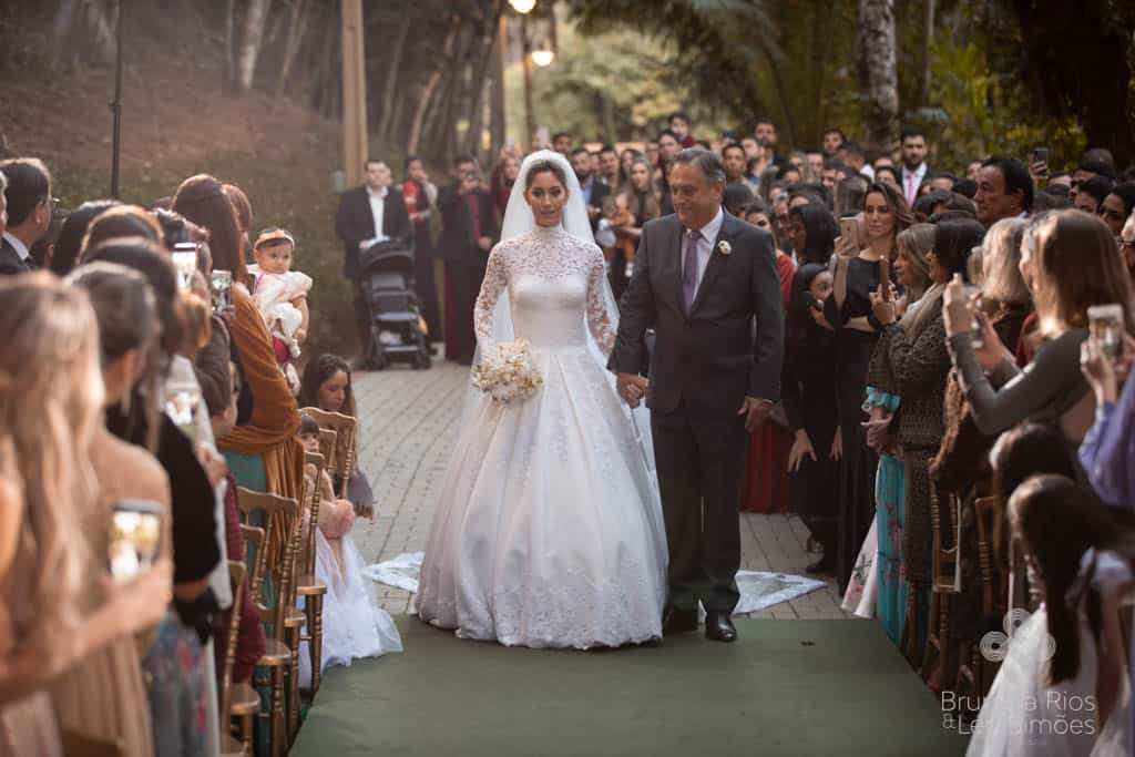 Camila-Sarmento-Casamento-Raisa-e-Ramon-foto-Brunella-e-Leo-Simoes-Pousada-Vale-dos-Passarios-Viviane-Melo27