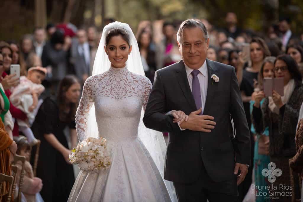 Camila-Sarmento-Casamento-Raisa-e-Ramon-foto-Brunella-e-Leo-Simoes-Pousada-Vale-dos-Passarios-Viviane-Melo32