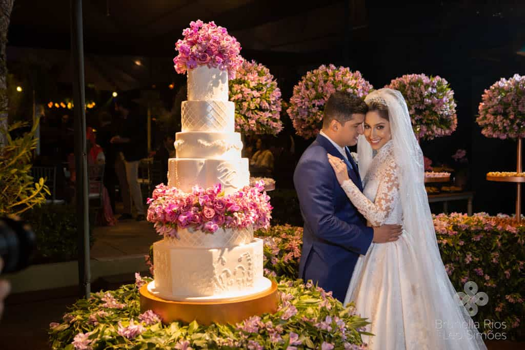 Camila-Sarmento-Casamento-Raisa-e-Ramon-foto-Brunella-e-Leo-Simoes-Pousada-Vale-dos-Passarios-Viviane-Melo34