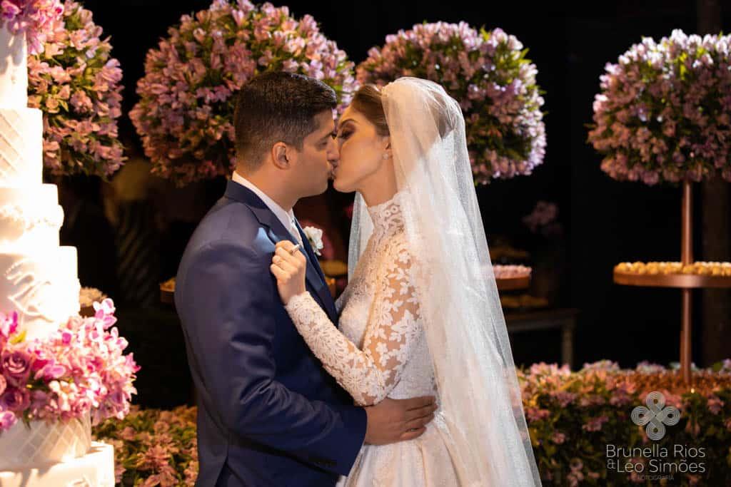 Camila-Sarmento-Casamento-Raisa-e-Ramon-foto-Brunella-e-Leo-Simoes-Pousada-Vale-dos-Passarios-Viviane-Melo45