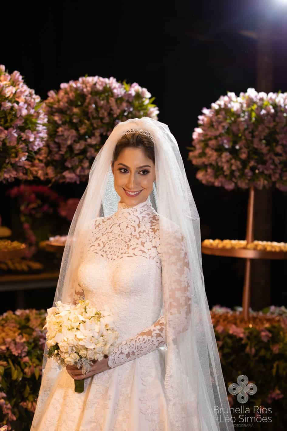 Camila-Sarmento-Casamento-Raisa-e-Ramon-foto-Brunella-e-Leo-Simoes-Pousada-Vale-dos-Passarios-Viviane-Melo46