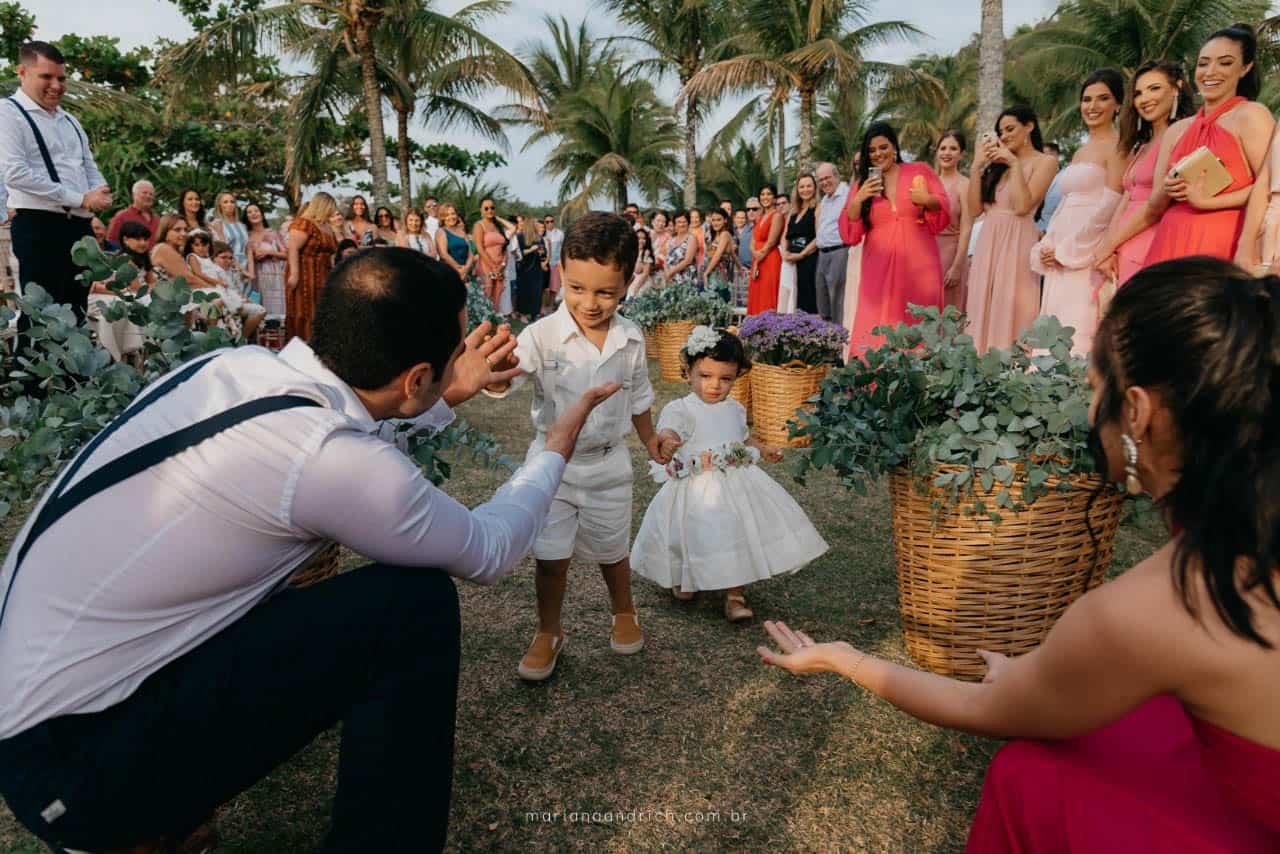 Casa-da-Maria-casamento-Mariana-e-Luan-Castelhanos-cerimonia-ao-ar-livre-cerimonia-na-praia-cerimonial-Vivianne-Melo-Espirito-Santo-Fotografia-Mariana-Andrich90