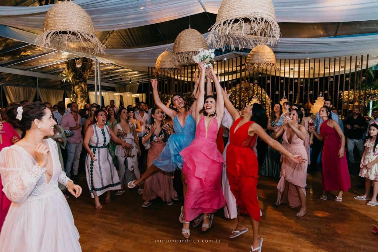 Casa-da-Maria-casamento-Mariana-e-Luan-Castelhanos-cerimonial-Vivianne-Melo-Espirito-Santo-festa-de-casamento-Fotografia-Mariana-Andrich-pista2