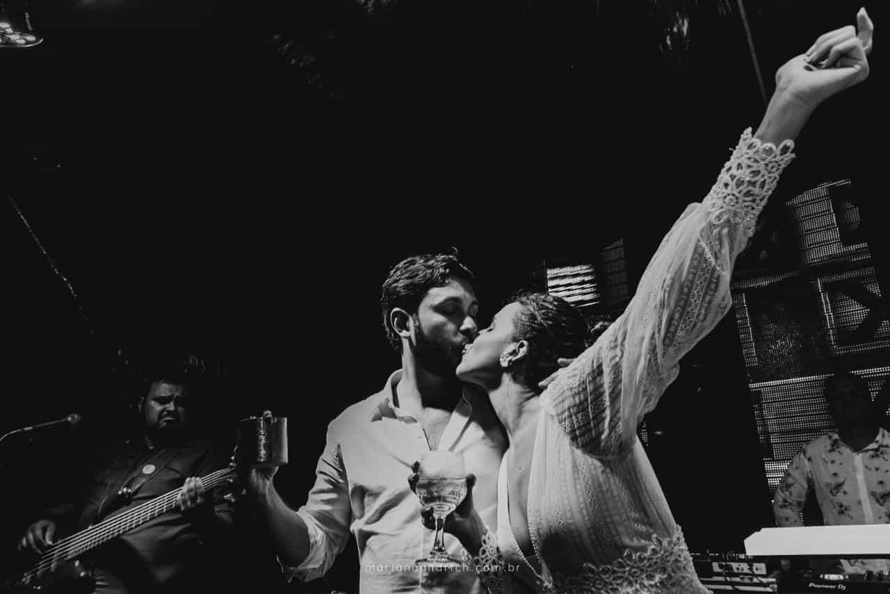 Casa-da-Maria-casamento-Mariana-e-Luan-Castelhanos-cerimonial-Vivianne-Melo-Espirito-Santo-festa-de-casamento-Fotografia-Mariana-Andrich-pista26