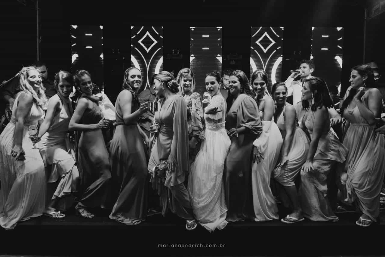 Casa-da-Maria-casamento-Mariana-e-Luan-Castelhanos-cerimonial-Vivianne-Melo-Espirito-Santo-festa-de-casamento-Fotografia-Mariana-Andrich-pista35