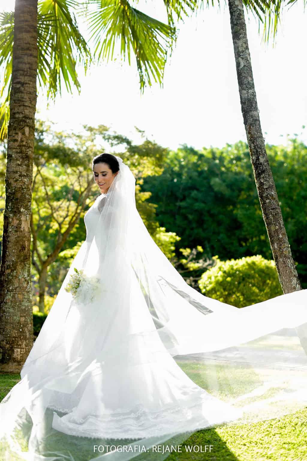 Casamento-Verane-e-Bruno-fotografia-Rejane-Wolff-hora-do-buque-Rej-Terras-de-Clara5