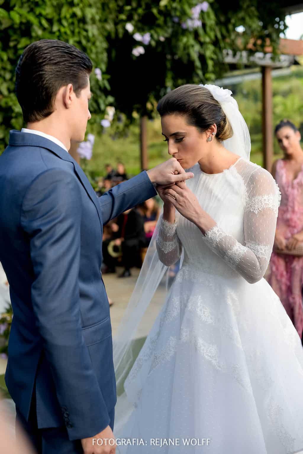 Casamento-Verane-e-Bruno-fotografia-Rejane-Wolff-hora-do-buque-Rej-Terras-de-Clara7