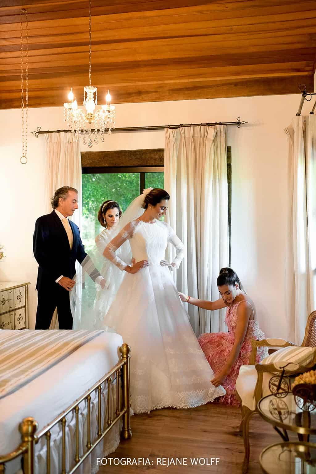 Casamento-Verane-e-Bruno-fotografia-Rejane-Wolff-hora-do-buque-Rej-Terras-de-Clara8