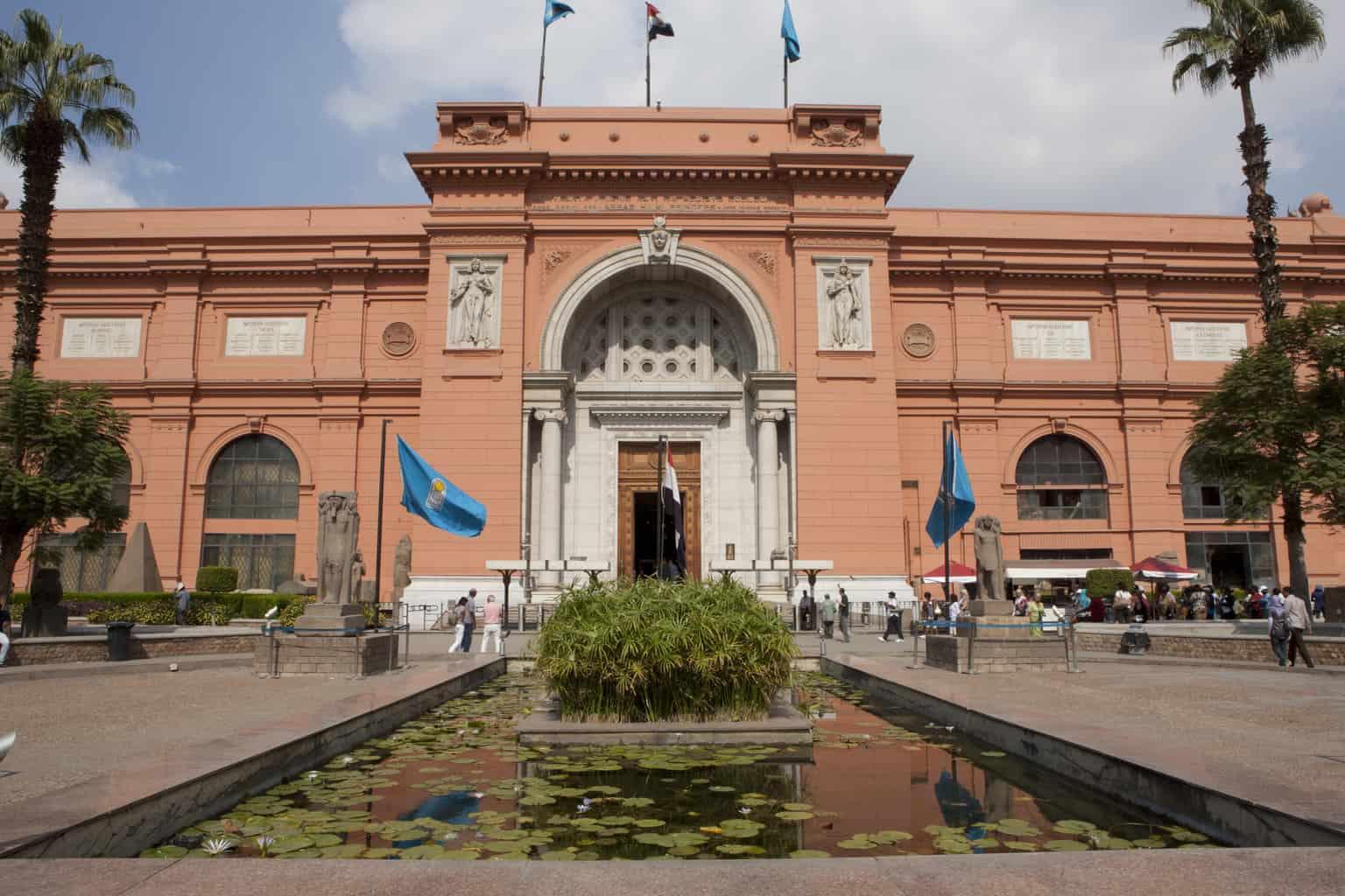 O-Museu-Egípcio-do-Cairo-é-dono-de-mais-120-mil-peças-arqueológicas-e-itens-que-remetem-à-época-faraônica.
