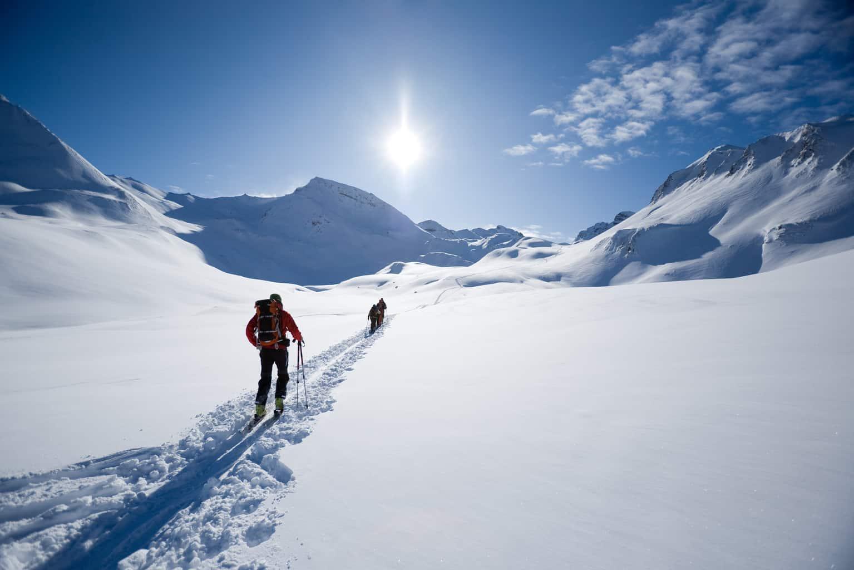 A-estação-de-esqui-mais-badalada-da-França-também-é-ideal-para-a-prática-de-trekking-snowmobile-e-outras-diversas-atividades-na-neve.