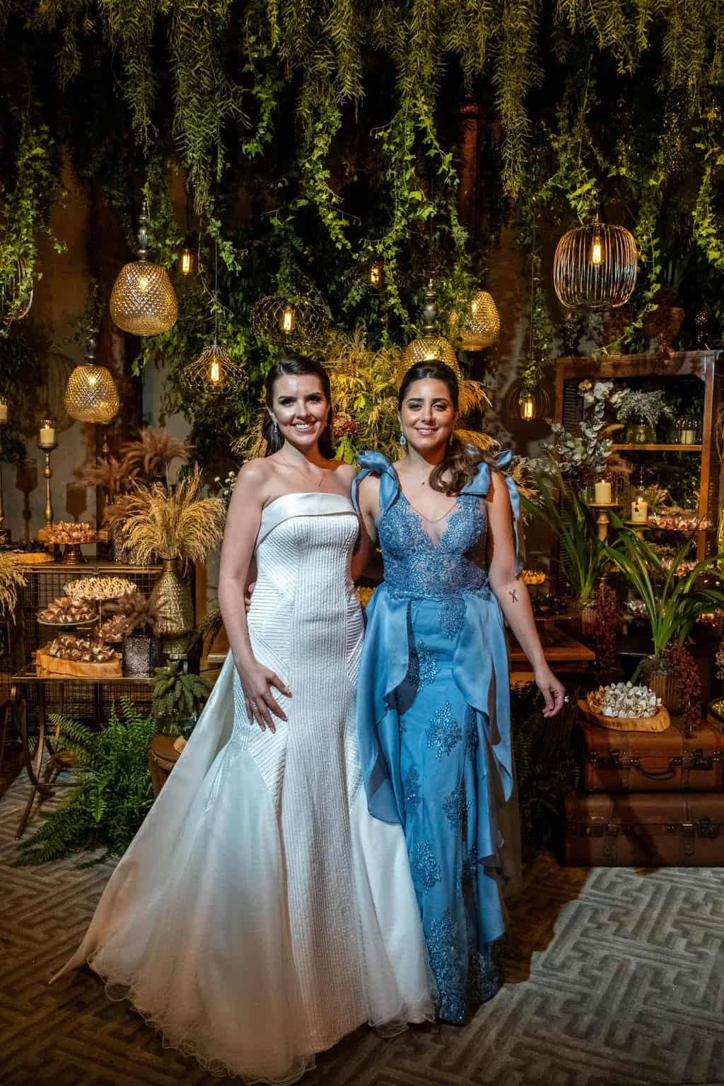 Bel-Benkler-eventos-Casamento-Ariane-e-Matheus-cerimonia-decoracao-contemporanea-fotografia-Rafael-Bigarelli-noivos-na-pista-Spazio-Giardini-26