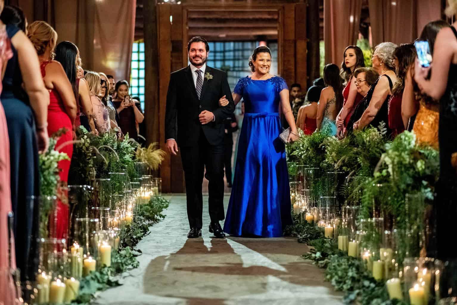 Bel-Benkler-eventos-Casamento-Ariane-e-Matheus-cerimonia-decoracao-contemporanea-fotografia-Rafael-Bigarelli-noivos-na-pista-Spazio-Giardini-29
