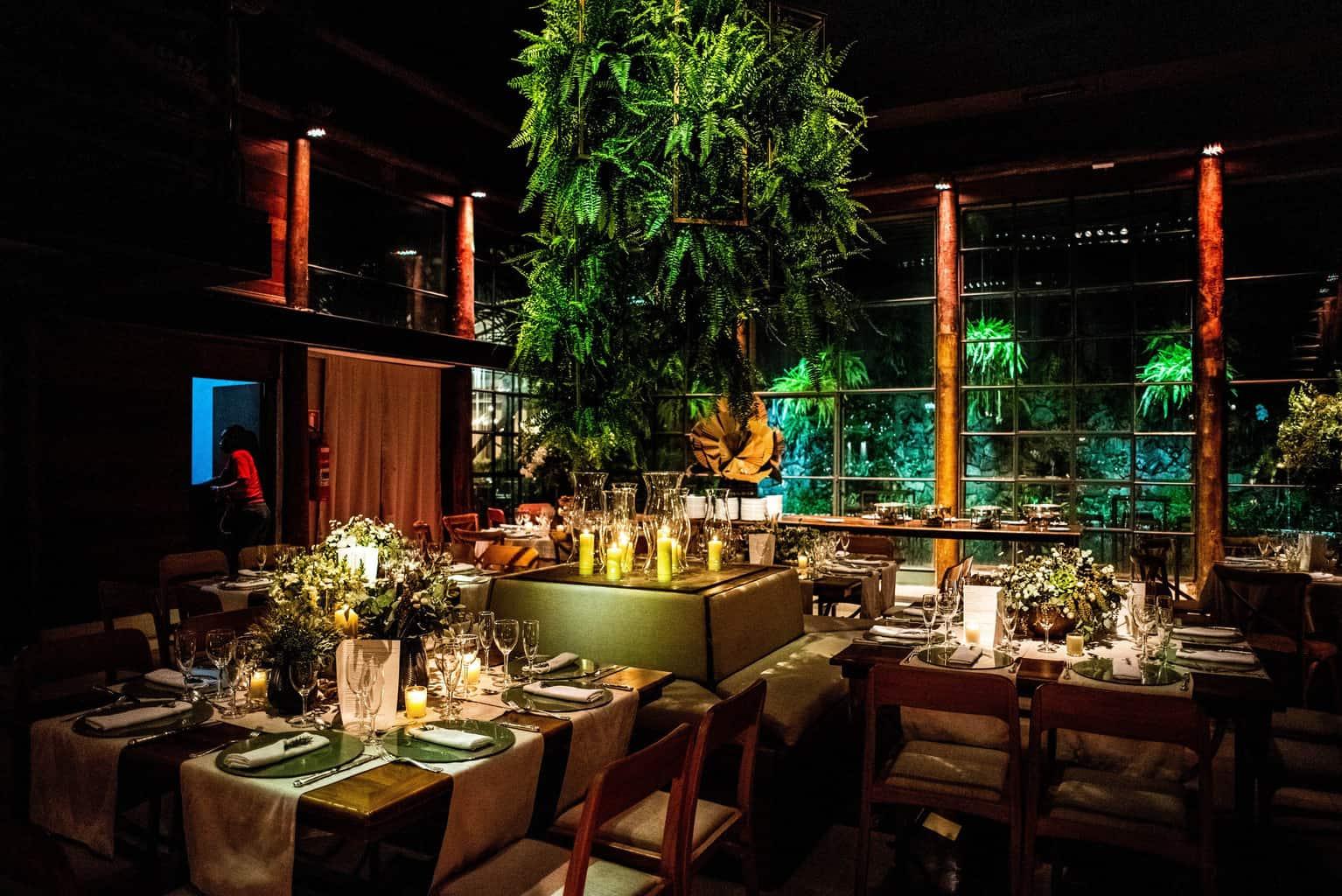 Bel-Benkler-eventos-Casamento-Ariane-e-Matheus-cerimonia-decoracao-contemporanea-fotografia-Rafael-Bigarelli-noivos-na-pista-Spazio-Giardini-3