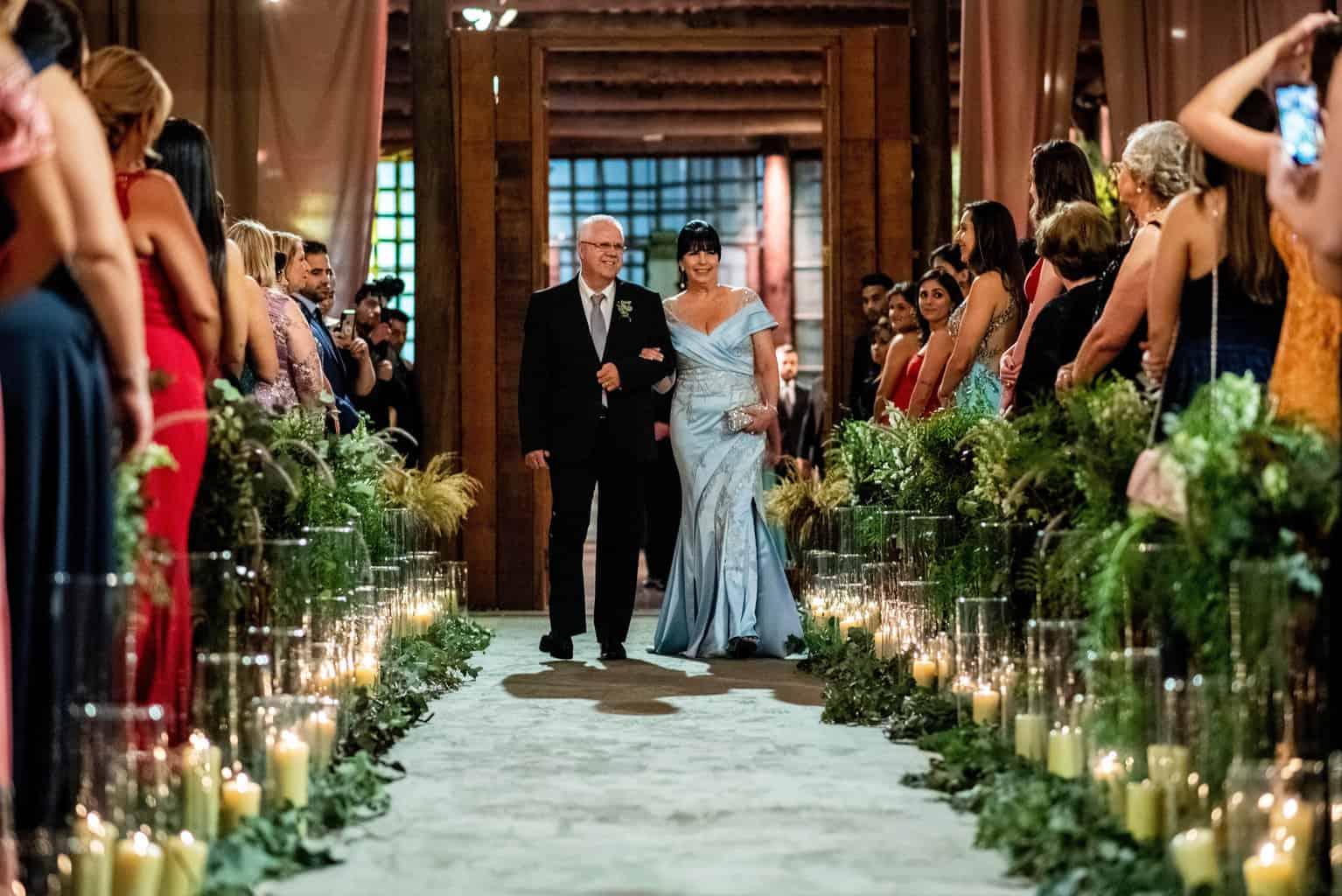 Bel-Benkler-eventos-Casamento-Ariane-e-Matheus-cerimonia-decoracao-contemporanea-fotografia-Rafael-Bigarelli-noivos-na-pista-Spazio-Giardini-37