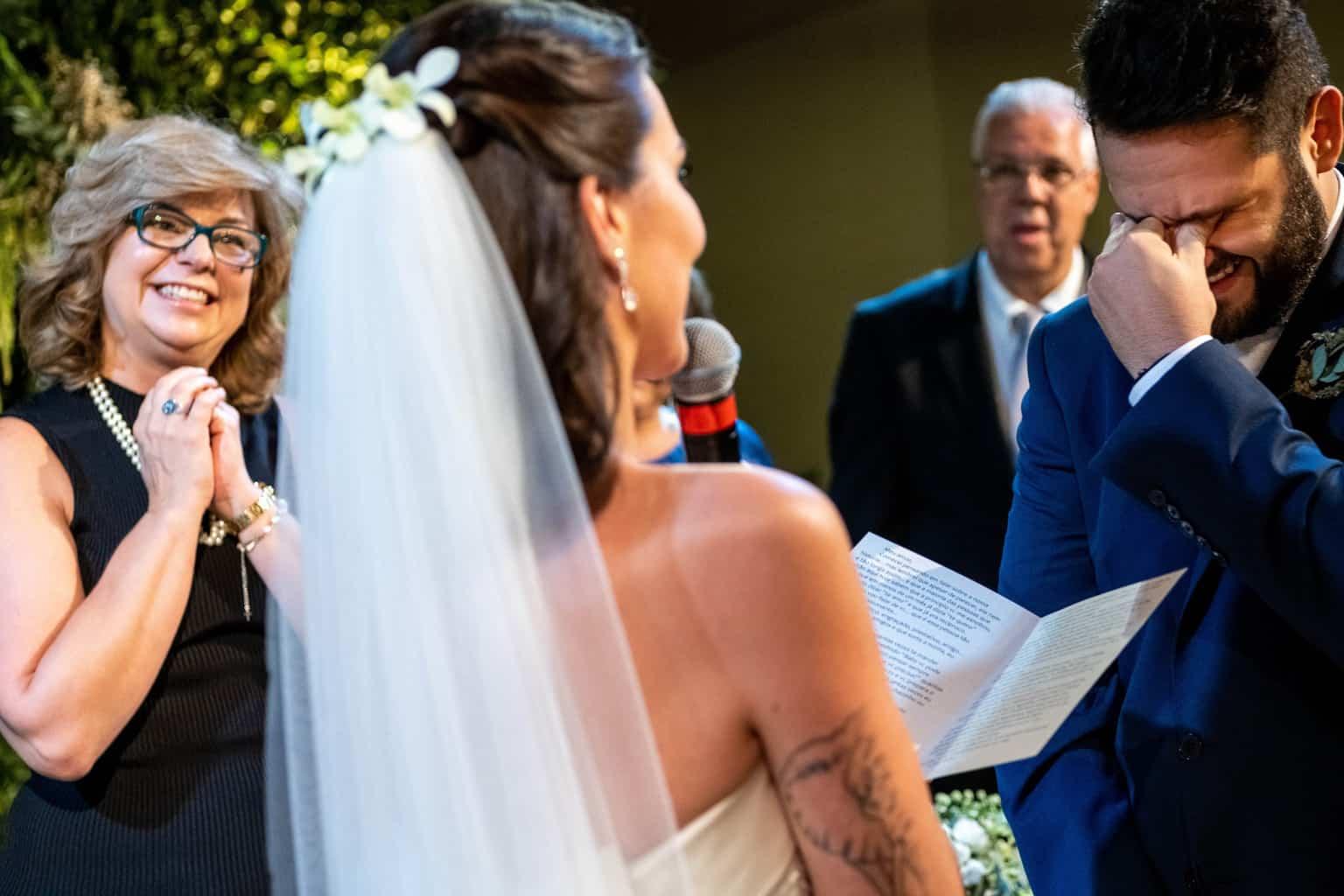 Bel-Benkler-eventos-Casamento-Ariane-e-Matheus-cerimonia-decoracao-contemporanea-fotografia-Rafael-Bigarelli-noivos-na-pista-Spazio-Giardini-42