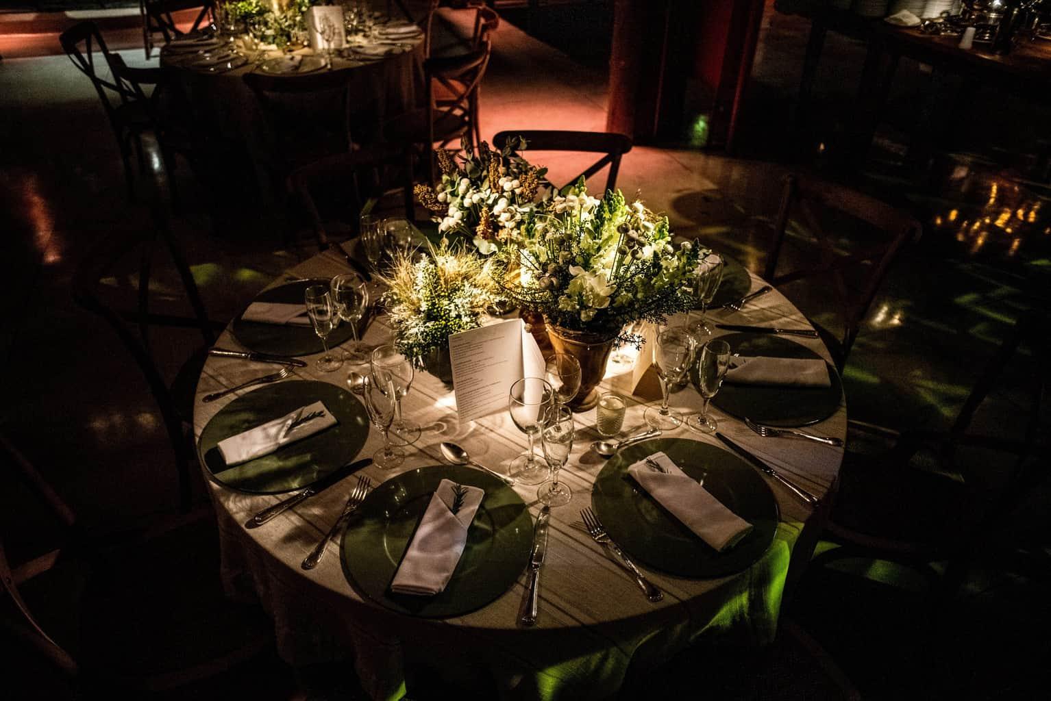 Bel-Benkler-eventos-Casamento-Ariane-e-Matheus-cerimonia-decoracao-contemporanea-fotografia-Rafael-Bigarelli-noivos-na-pista-Spazio-Giardini-48
