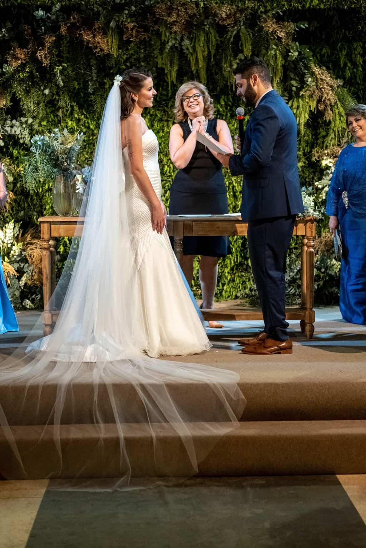Bel-Benkler-eventos-Casamento-Ariane-e-Matheus-cerimonia-decoracao-contemporanea-fotografia-Rafael-Bigarelli-noivos-na-pista-Spazio-Giardini-60