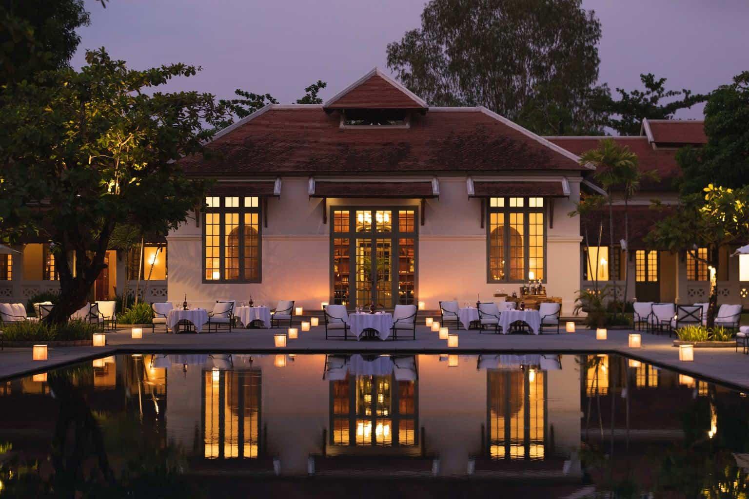 As-instalações-do-Amantaka-ostentam-o-charme-típico-de-Laos-com-um-design-influenciado-pelo-estilo-colonial-que-emana-elegância-e-transmite-sensação-de-tranquilidade.