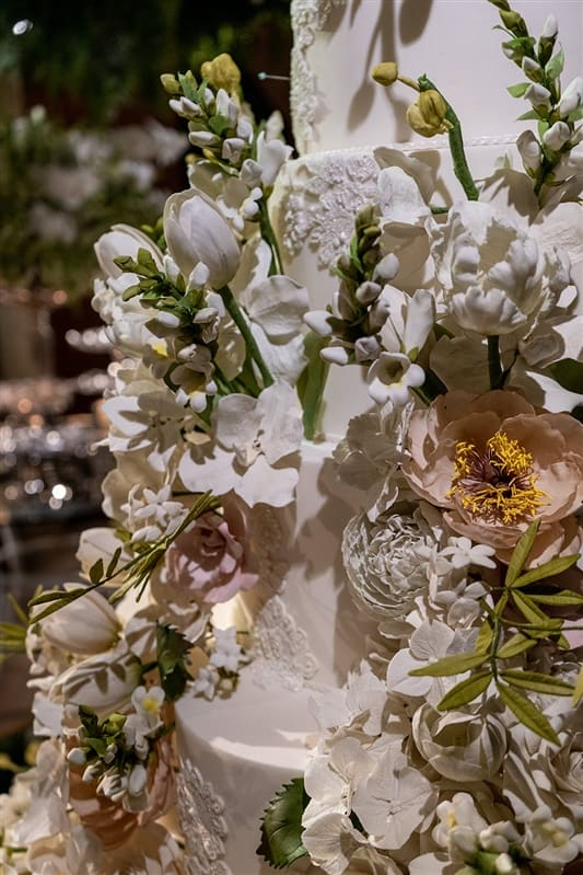 Casamento-Amanda-e-Flavio-Hotel-Unique-Anna-Quast-e-Ricky-Arruda-Babi-Leite-1-18-Project-Andre-Pedrotti-102-Bolo-The-King-Cake